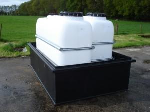 kunststof tanks in opvangbakken